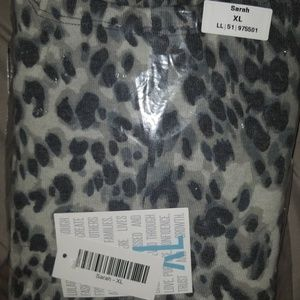 Lularoe Sarah sweater